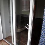 Раздвижная ПВХ-дверь на лоджии - вид из лоджии